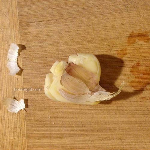 Garlic peel cracked IMG_3390.jpg