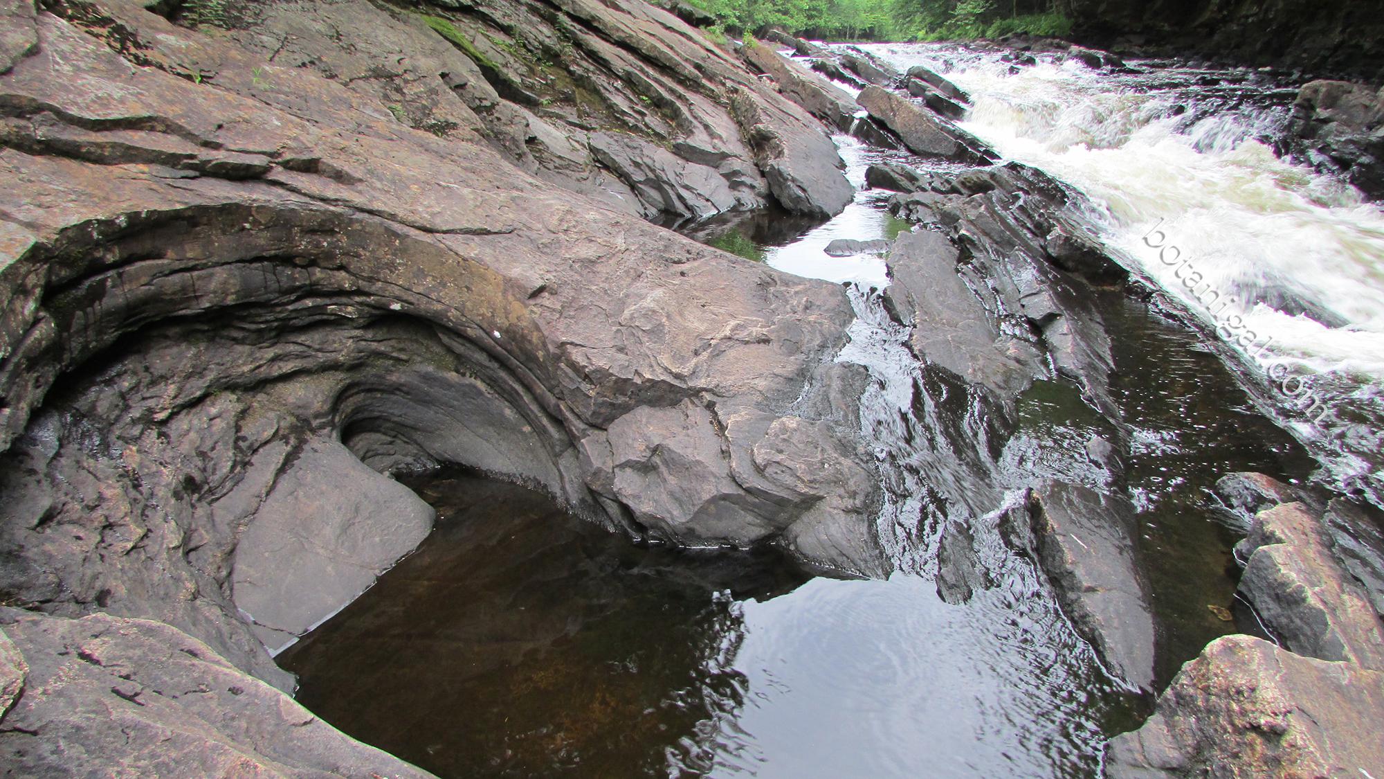 R.K. 3 Oxtongue Rapids Geology July 24 2016 092 wtm.jpg