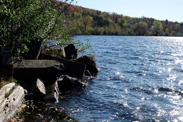 R.K. 7 Hunter's Bay Trail Shoreline Square rocks October 18 2017 wtm_RXB9145.jpg